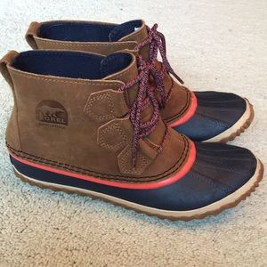 NWOB Sorel Out and About boot rare color!